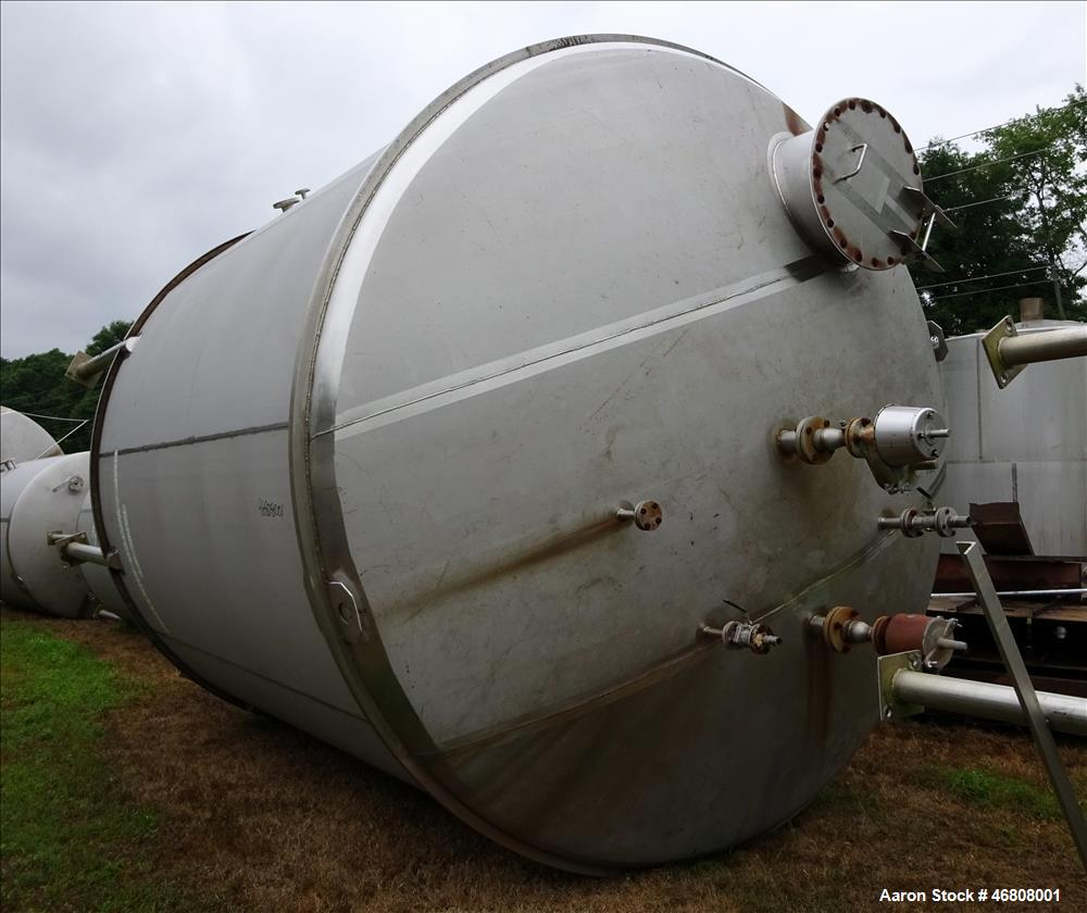 Used- Walker 9000 Gallon Stainless Tank