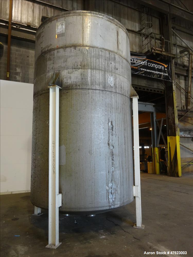 Used- Tank, 5,500 Gallon, 304 Stainless Steel, Vertical.