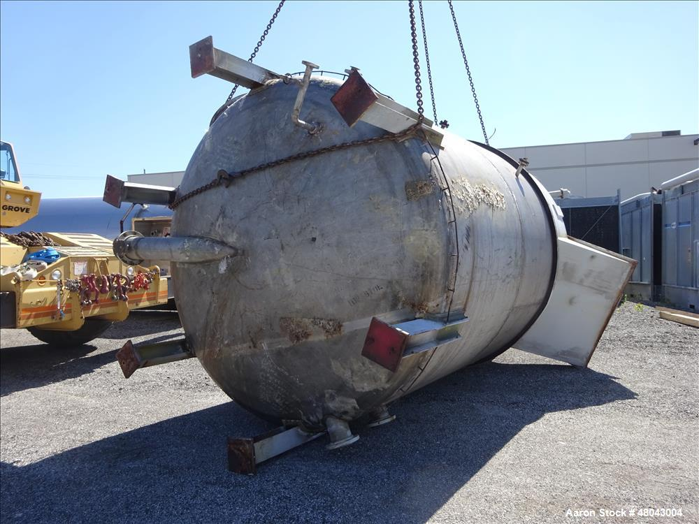 Used- T.C.K. Steel Fabrication Inc. Tank, 9,000 Gallon, 304 Stainless Steel, Ver