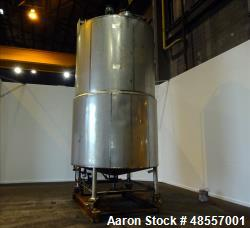 Used- Tank, Approximately 5,000 Gallon, 304 Stainless Steel, Vertical.
